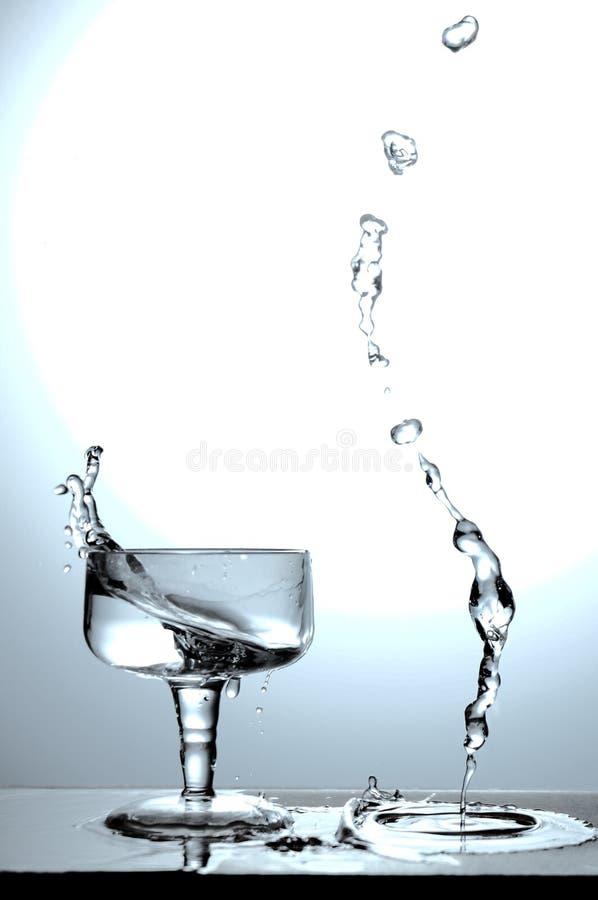 Copo 5 da água do respingo foto de stock royalty free