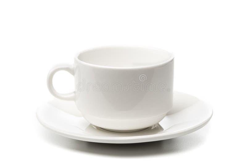Copo de café branco vazio no fundo branco imagens de stock