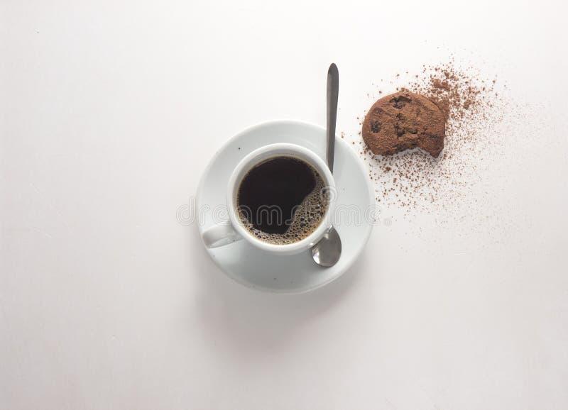 copo de café, cookies, escada lisa da configuração imagens de stock royalty free