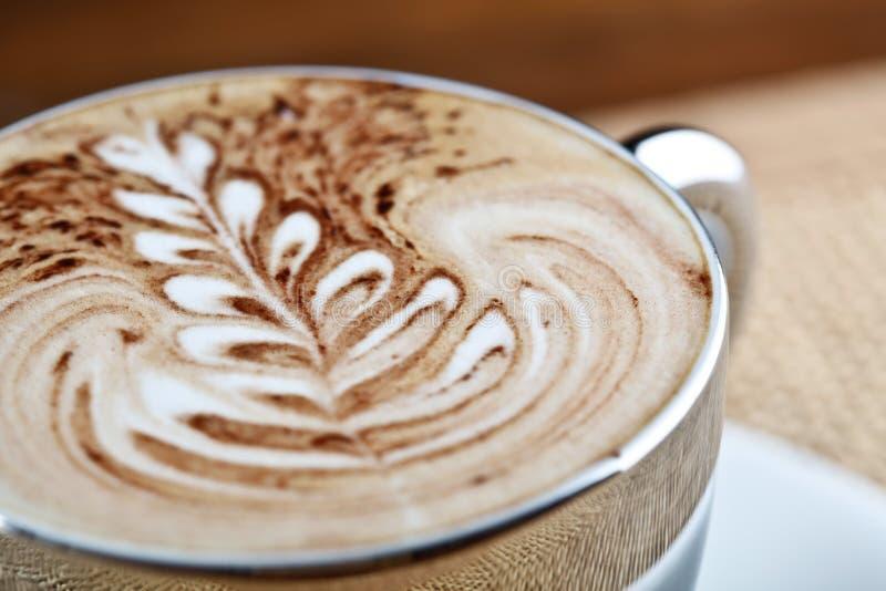 Copo de café do Cappuccino fotografia de stock