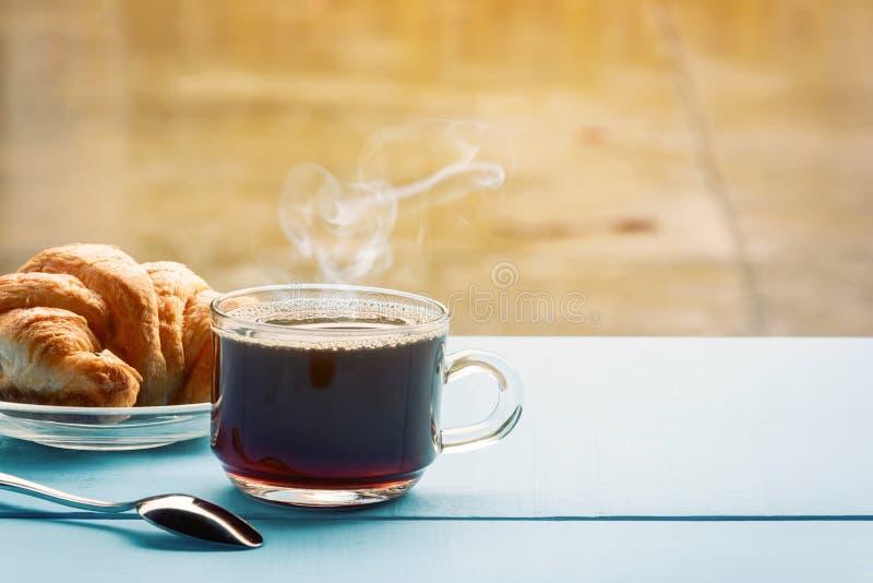 Copo de café preto do bom dia foto de stock royalty free