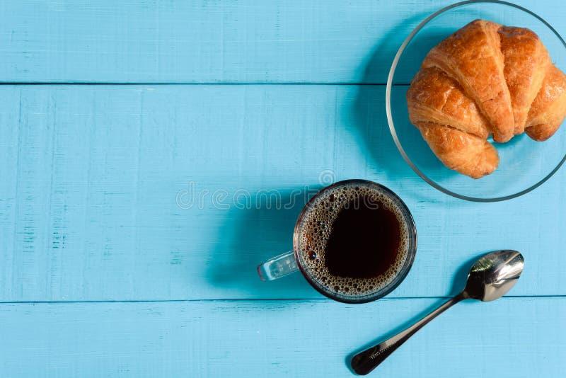 copo de café preto do bom dia da vista superior imagens de stock royalty free