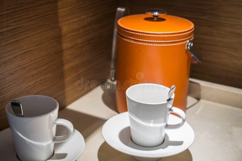 Copo de café vazio ou copo de chá fotos de stock