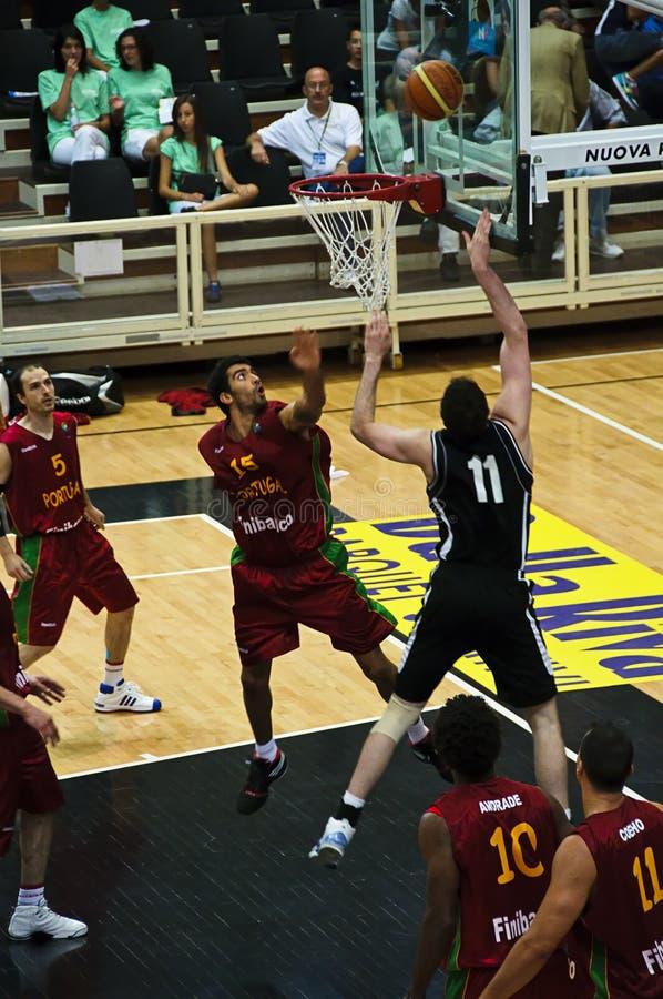 Copo de FIBA Trentino: Portugal contra Nova Zelândia foto de stock