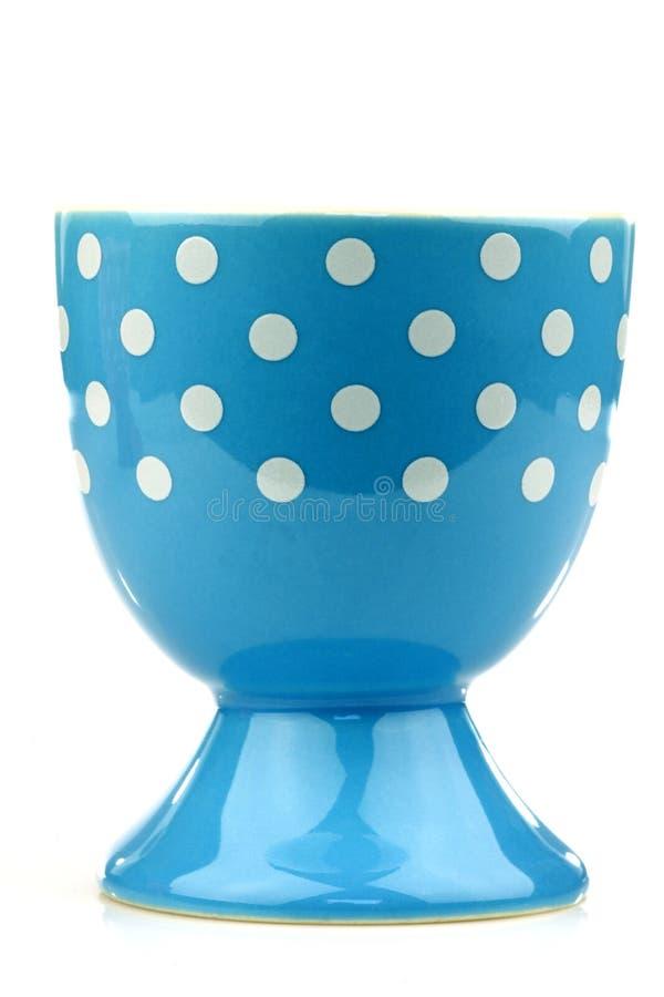 Copo de ovo azul e branco colorido e decorado imagem de stock royalty free