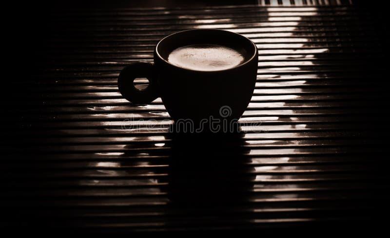 Copo de um café preto foto de stock royalty free