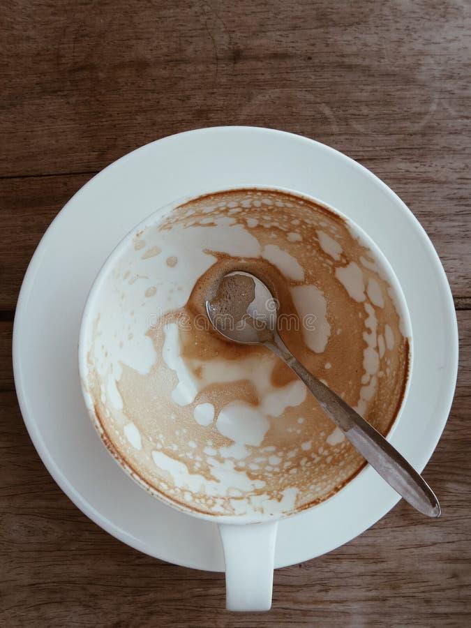 Copo do café quente da arte do latte fotos de stock royalty free