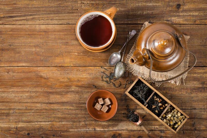 Copo do chá com bule, acima da vista foto de stock royalty free