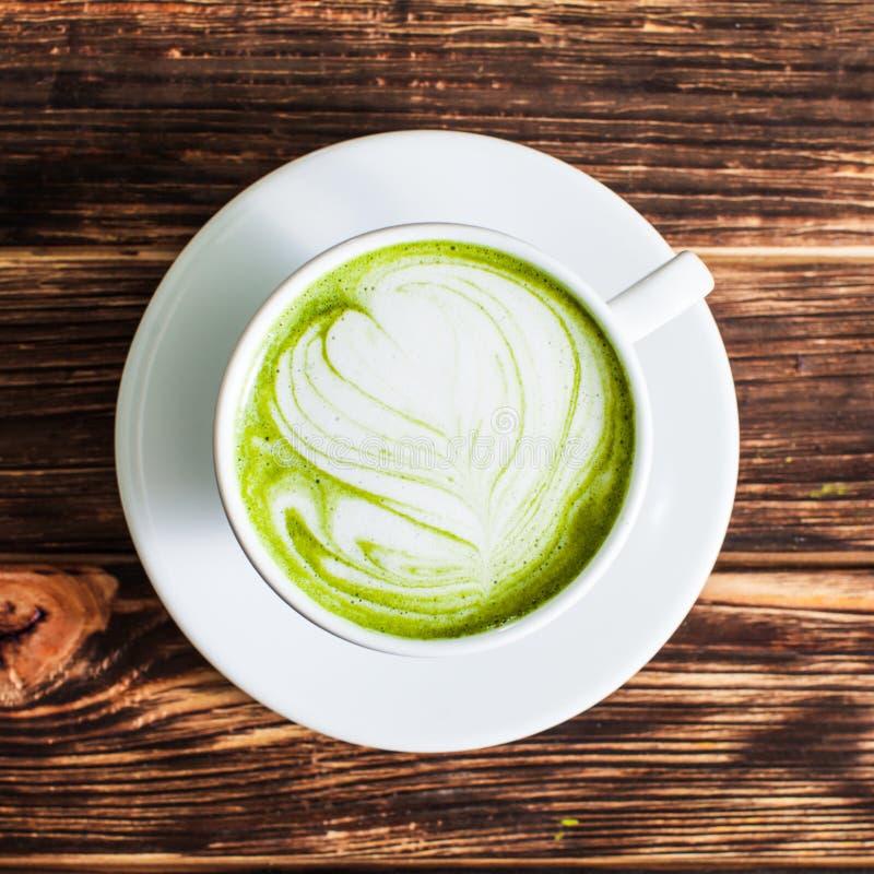 Copo do Latte de Matcha fotografia de stock
