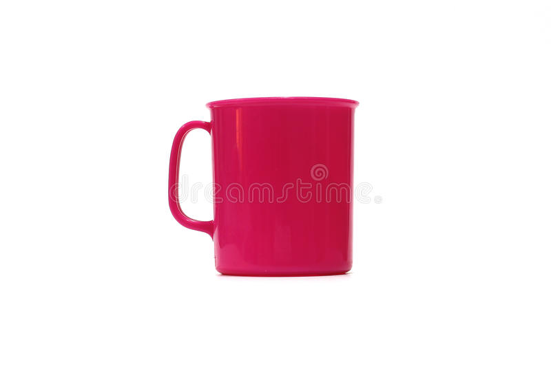 Copo plástico cor-de-rosa isolado fotografia de stock royalty free