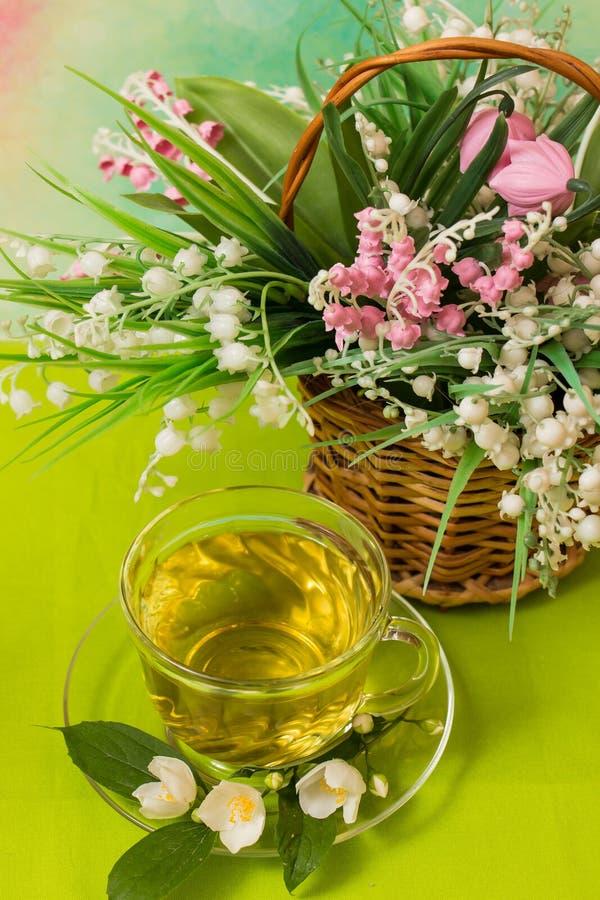 Copo quente do chá verde imagem de stock royalty free