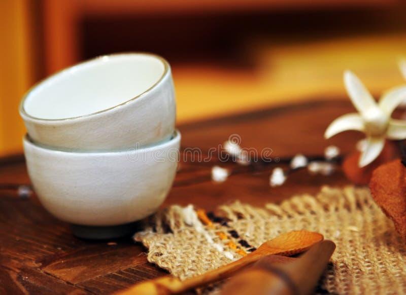 Copos asiáticos da cerâmica imagem de stock royalty free