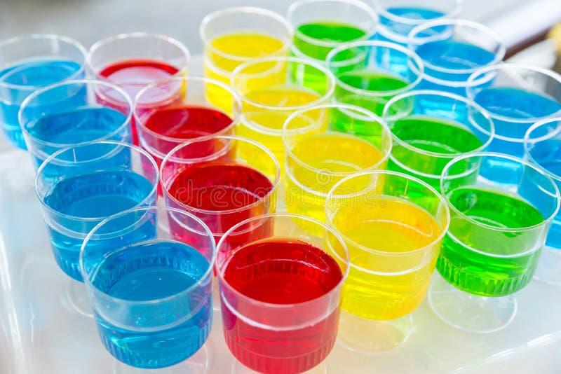 Copos coloridos de Jello fotografia de stock