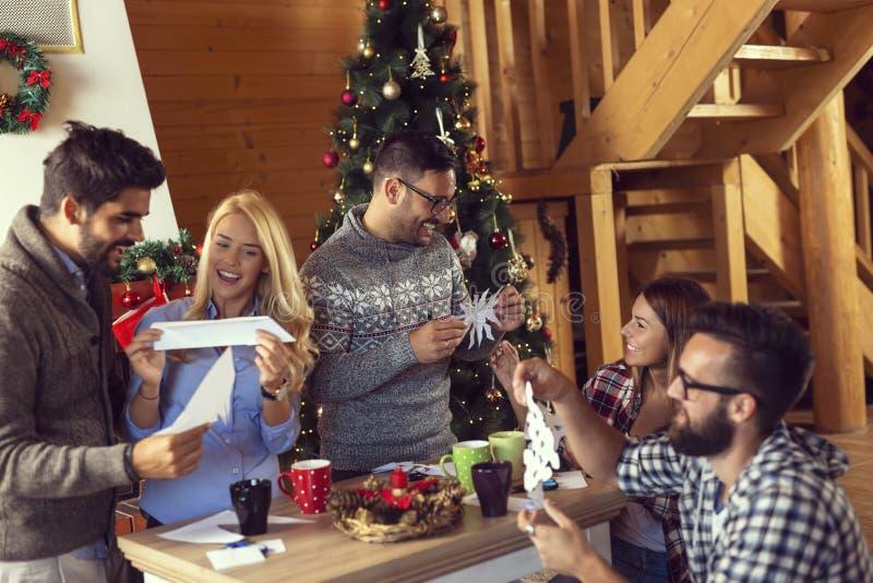 Copos de nieve de papel del corte imagen de archivo libre de regalías