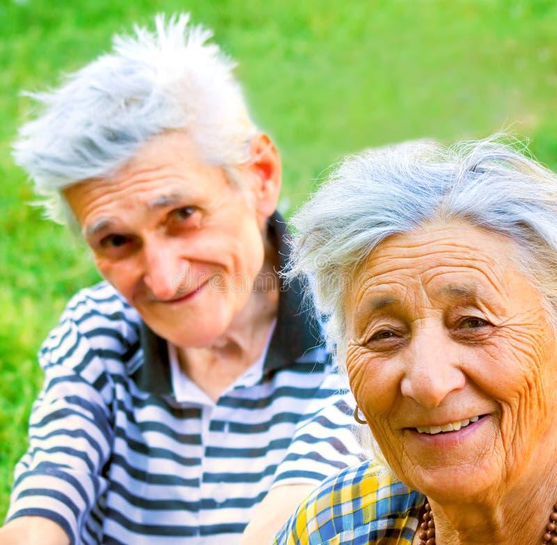 coppia l'anziano felice fotografie stock