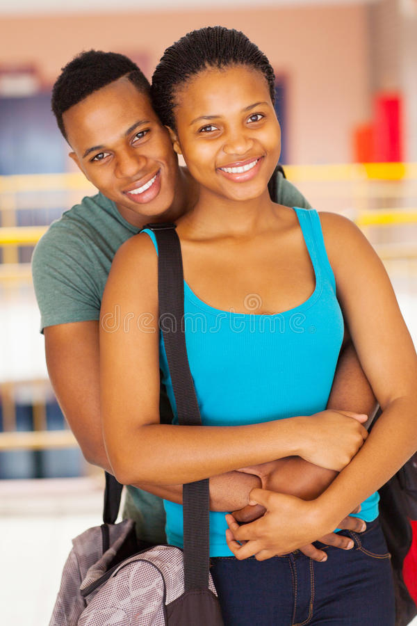 Coppie africane dell'università immagini stock