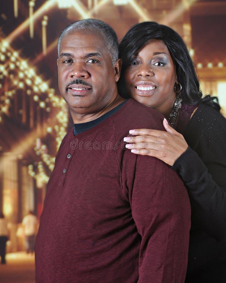 Coppie afroamericane mature al Natale immagine stock