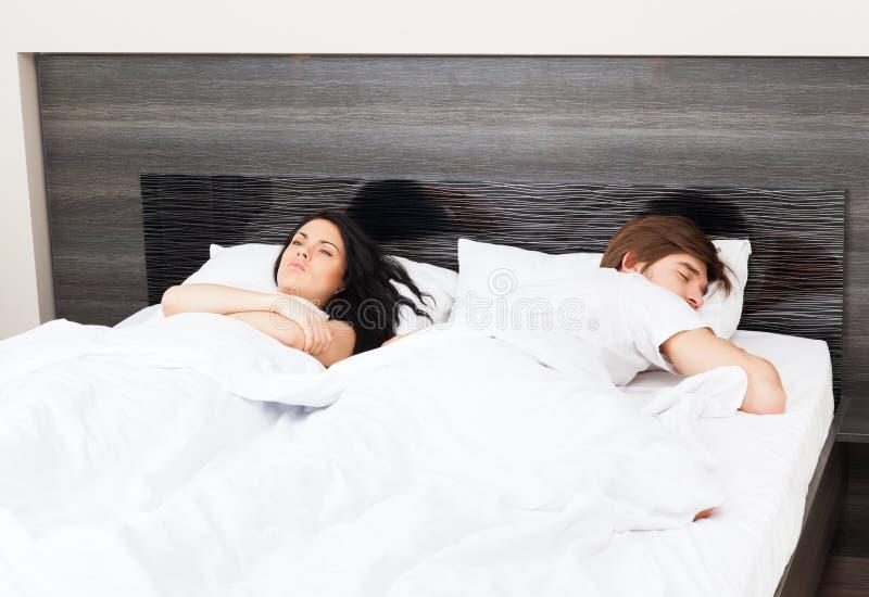 Coppie al letto immagini stock libere da diritti