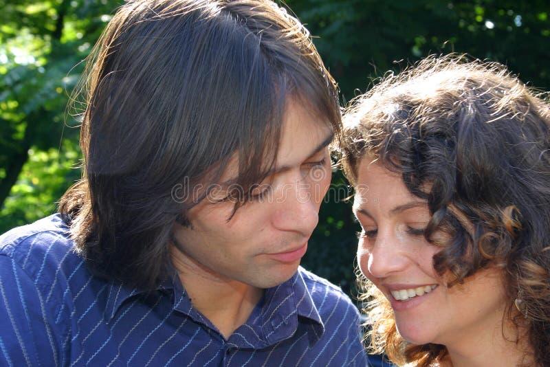 Download Coppie attraenti insieme fotografia stock. Immagine di uomini - 222754