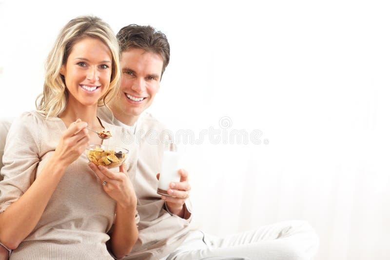 Coppie che hanno pranzo fotografia stock
