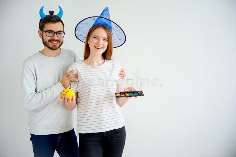 Coppie in costumi di Halloween fotografia stock