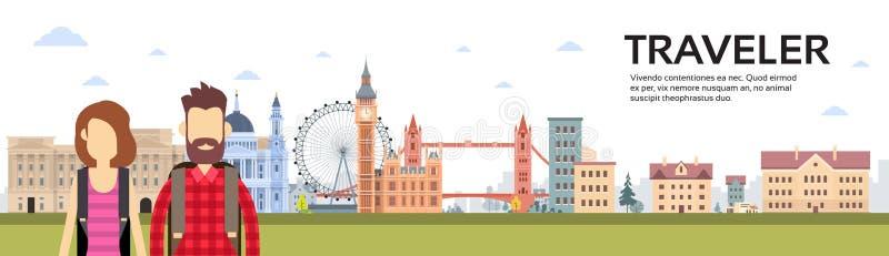 Coppie del viaggiatore con i viaggiatori con zaino e sacco a pelo sopra l'insegna di vista della città di Londra illustrazione di stock