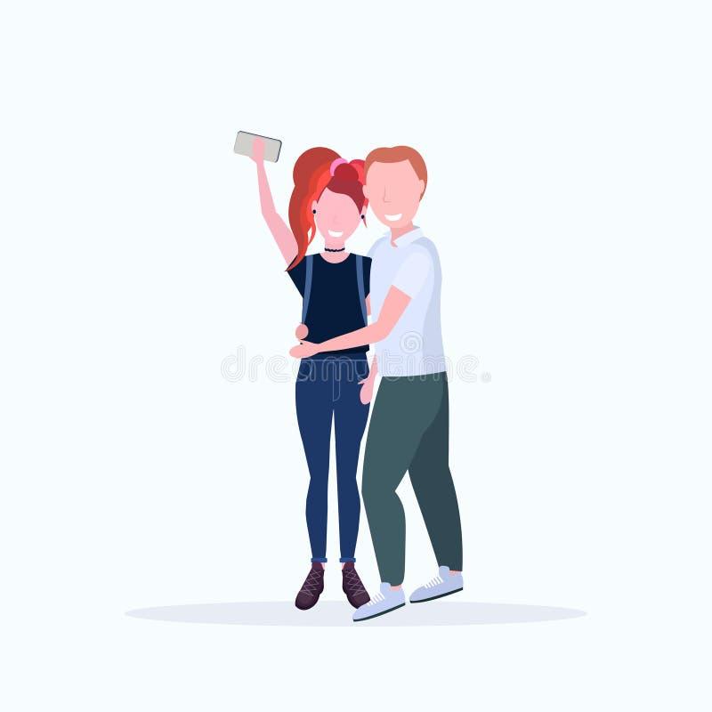 Coppie della donna dell'uomo che prendono la foto del selfie sui personaggi dei cartoni animati femminili maschii della macchina  illustrazione vettoriale
