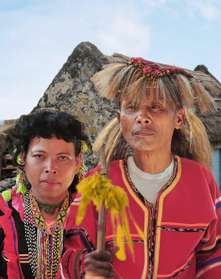 Coppie della tribù di Manobo durante il buon festival del raccolto di Kadayawan immagine stock libera da diritti