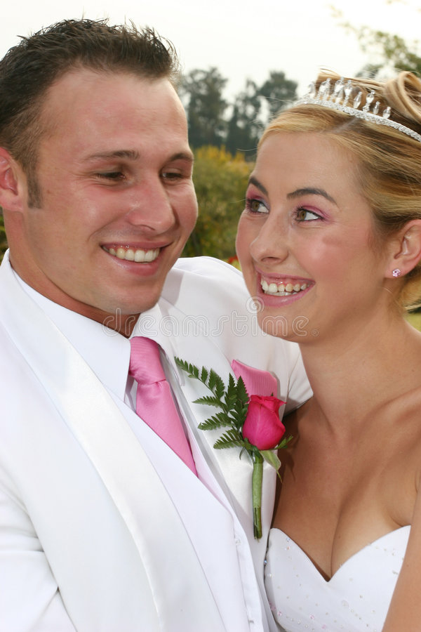 Coppie di cerimonia nuziale fotografie stock