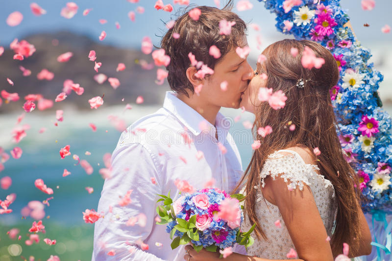 Coppie di nozze sposate appena immagini stock libere da diritti