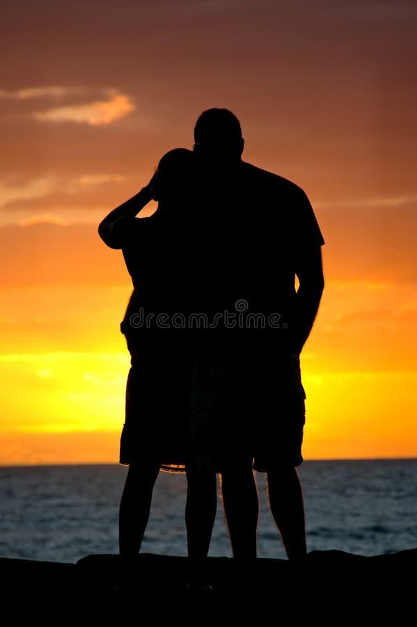 Coppie di tramonto fotografia stock libera da diritti