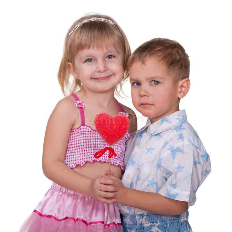 Coppie dolci del biglietto di S. Valentino immagini stock