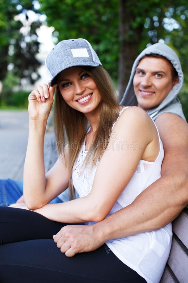 Coppie felici fotografie stock libere da diritti