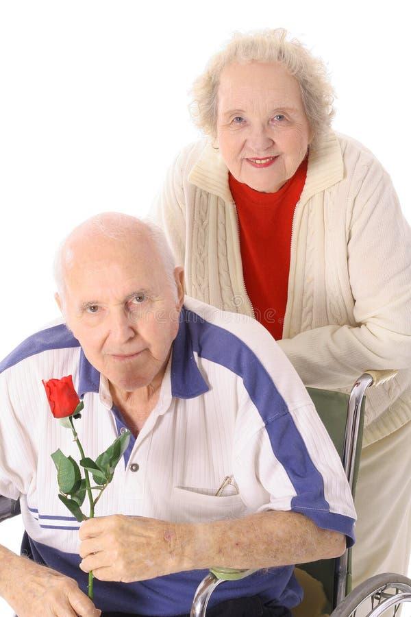 Coppie felici dell'anziano di anniversario immagini stock libere da diritti