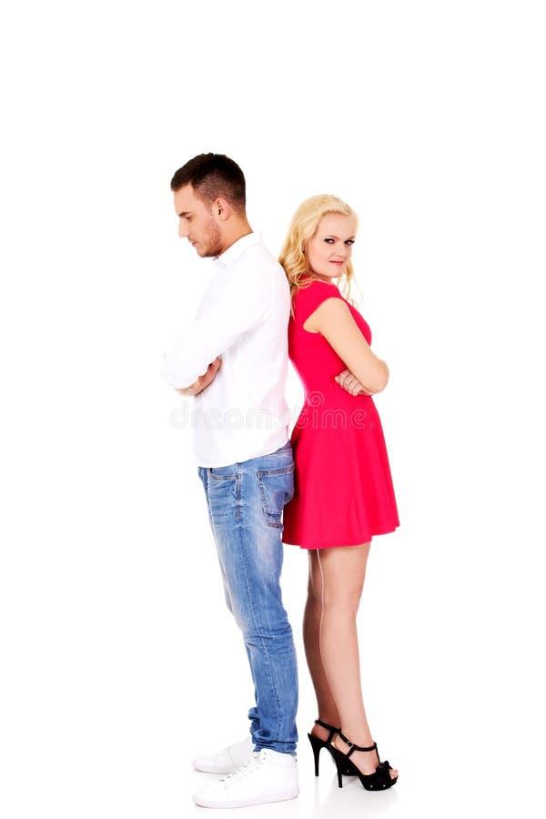 Coppie litiganti che non parlano l'un l'altro fotografie stock