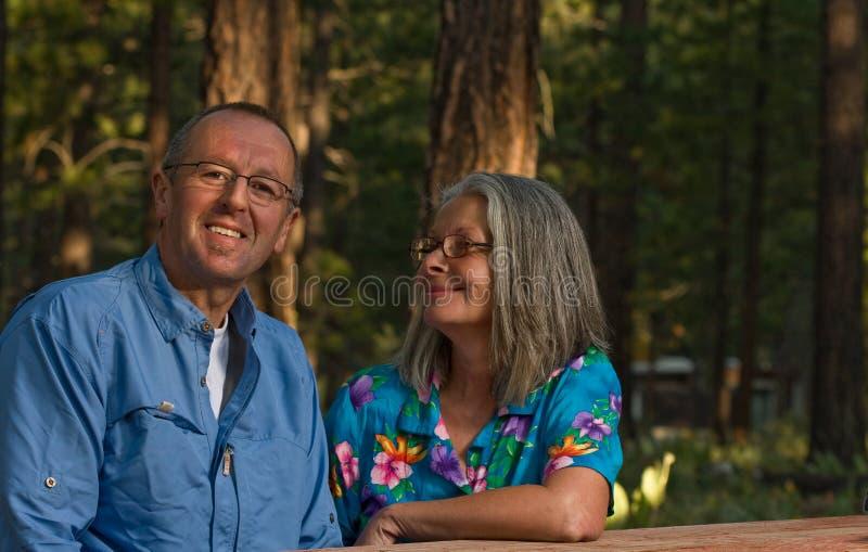 Coppie maggiori felici fotografia stock libera da diritti