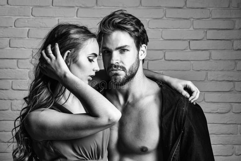 Coppie nell'amore Coppie sexy degli amanti fotografie stock