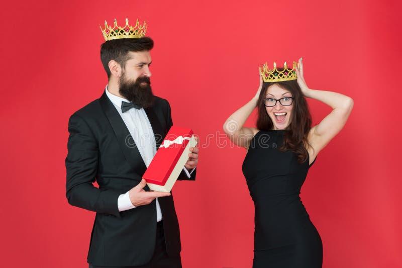 coppie reali nell'amore data Successo di affari Modo di affari regalo del partito di anniversario Coppie convenzionali di affari  immagini stock libere da diritti
