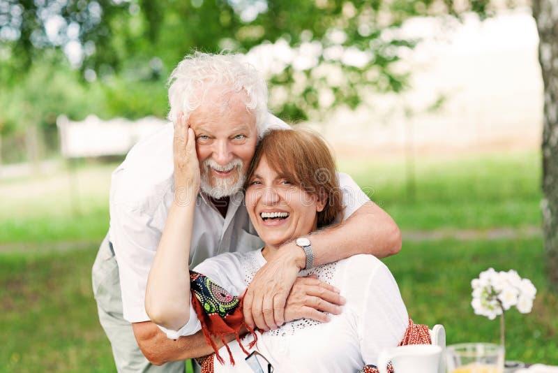 Coppie senior nell'amore fotografia stock