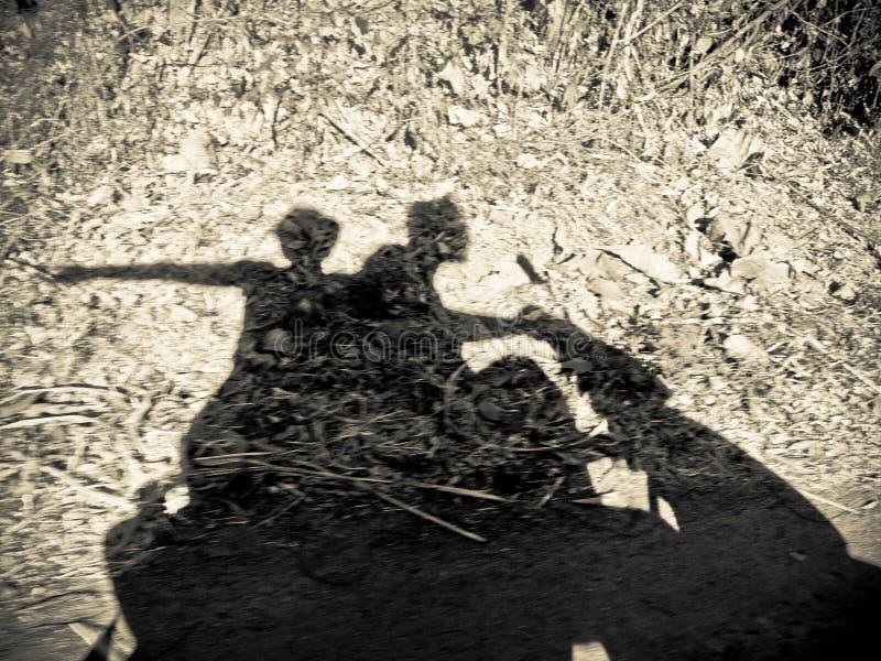 Coppie su una bici fotografie stock libere da diritti