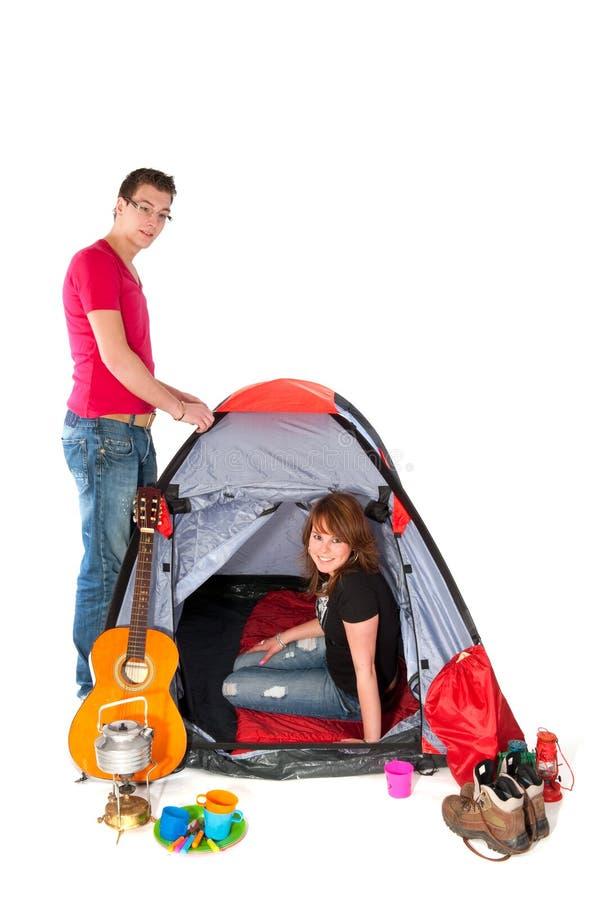Coppie in tenda fotografie stock libere da diritti