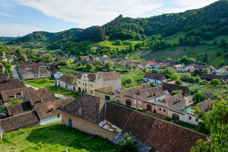 Copsa saxon Kobylia wioska z jego warownym kościół blisko Biertan, Sibiu okręg administracyjny, Transylvania, Rumunia obrazy stock
