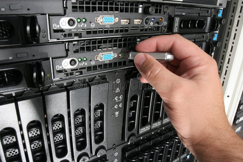 Copying Data from the server. Using a USB memory stick to copy files from rack mounted servers in a data center