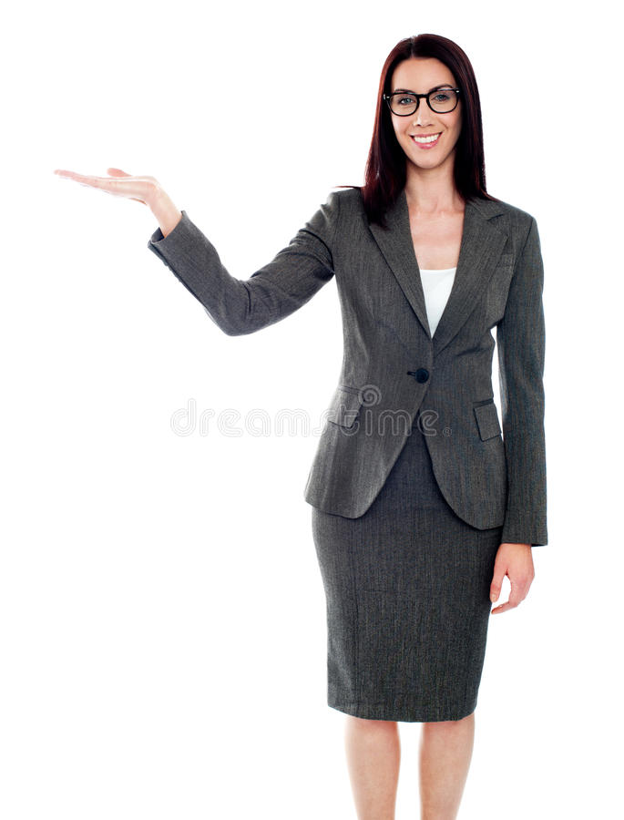copyspace απομονωμένος παρουσιάζοντας τη γυναίκα στοκ φωτογραφία