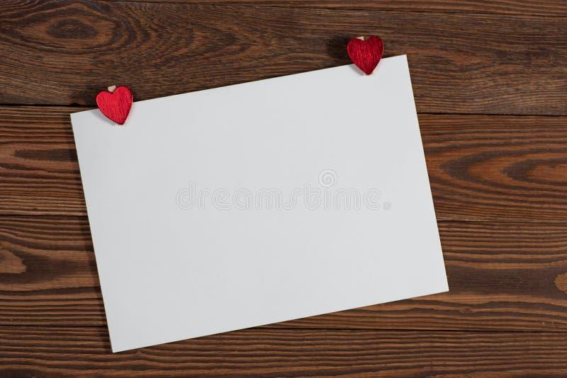 Copyspaceblad van document met hartenkerstmis decorationsconcep royalty-vrije stock foto's