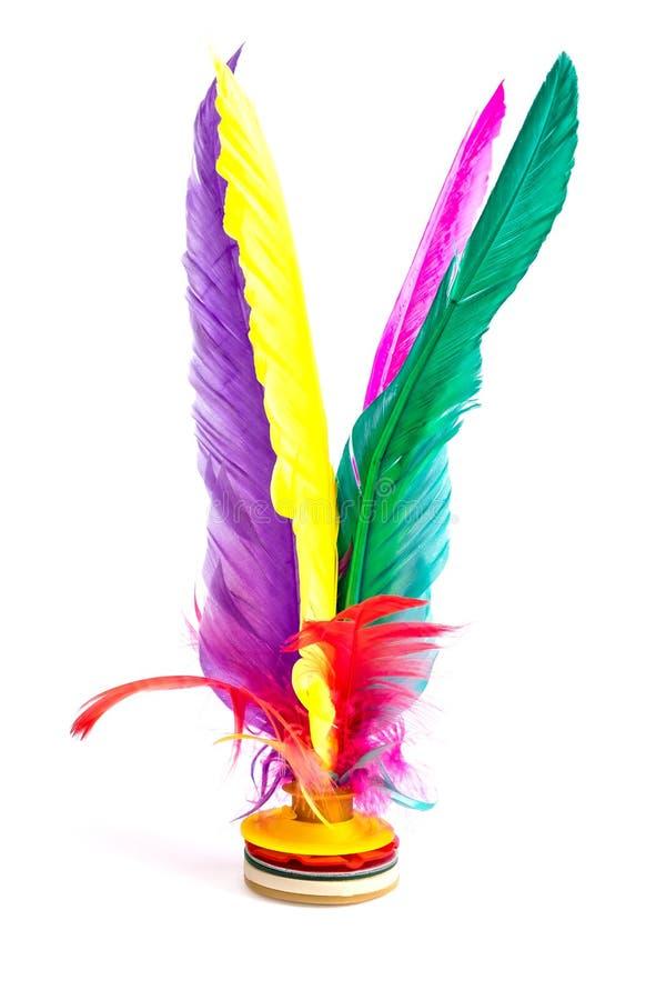 Coq de navette donnant un coup de pied, sports colorés de pied de Jianzi de Chinois de plume, plume de pied de sac à Hacky sur le image stock