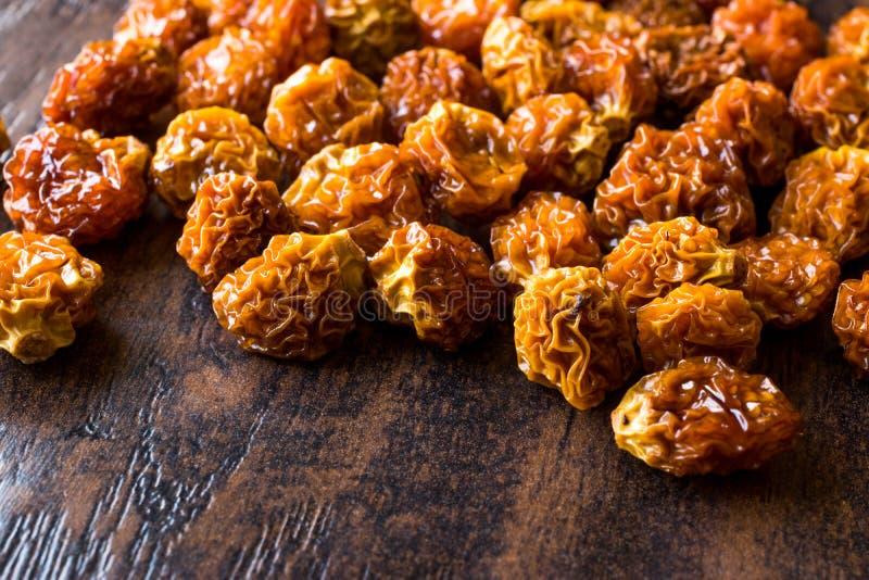Coquerets comestibles secs séchés au soleil de Physalis ou de goût aigre/Goldenberries photographie stock