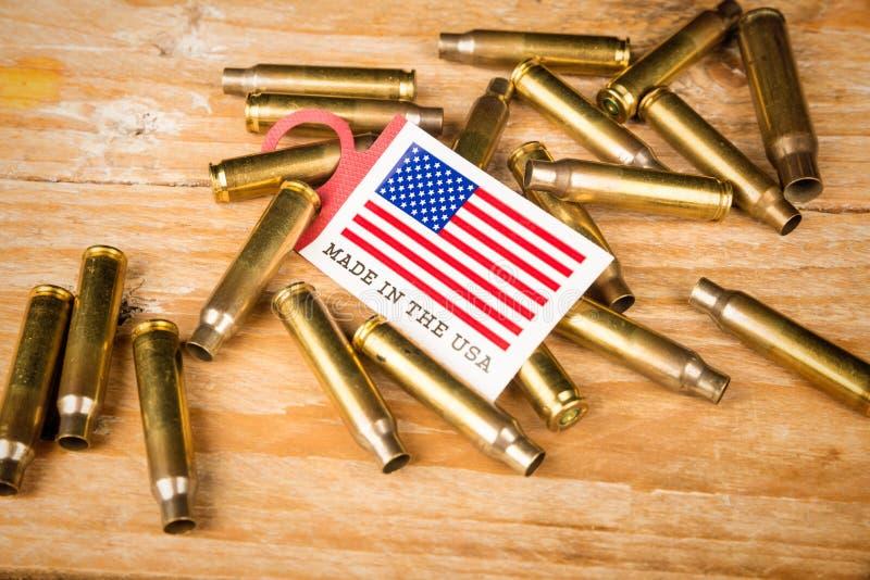 Coquilles de balle et drapeau des USA photos libres de droits