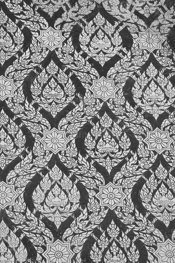 Cor da pérola no papel de parede tailandês preto da pintura imagens de stock royalty free