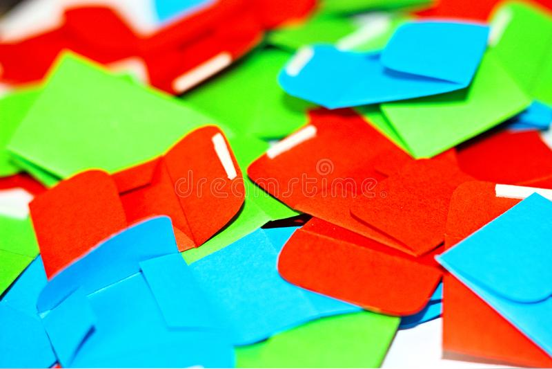 Cor de papel da polpa do envelope pouco unha do polegar pintada cromática multicolorido não-ferrosa Pony Puisne Green Red Blue do fotografia de stock royalty free